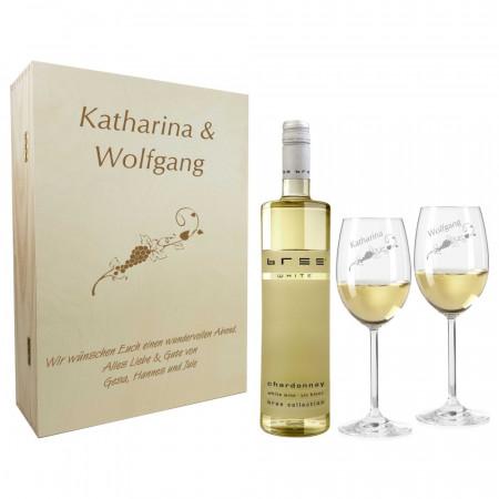 Geschenkset aus Weißweingläsern und Holzkiste mit Namen graviert